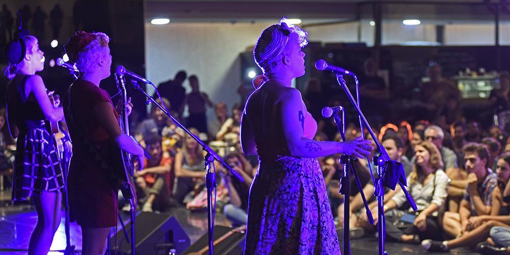 miau - trio junto a Julieta Venegas. 10 MAR
